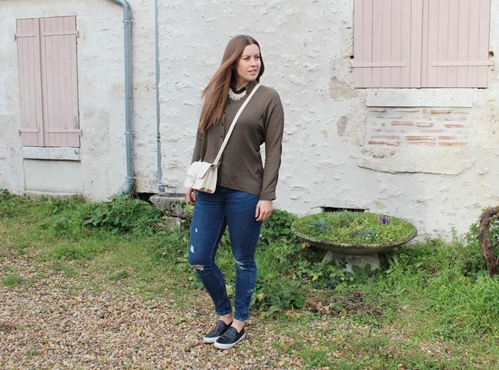 khaki Blouse and nude bag - La Mode et Moi, der Modeblog aus Köln