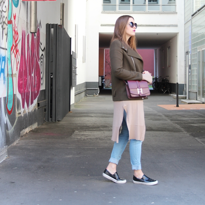 Khaki and Oxblood for an easy City-Look - auf dem Modeblog La Mode et Moi