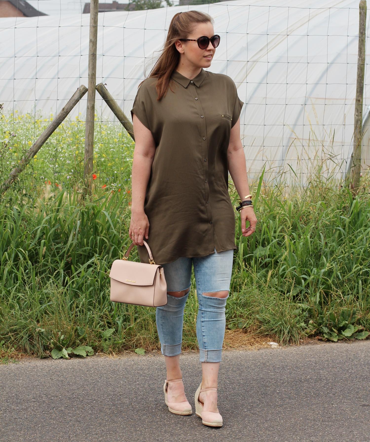 Khaki Oversize Tunika mit Nude Accessoires - La Mode et Moi, der Modeblog aus Köln
