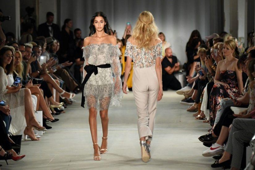 Ewa Herzog S / S 2018 – weibliche Mode mit Spitze, Seide und Volants – LA MODE ET MOI, der Modeblog