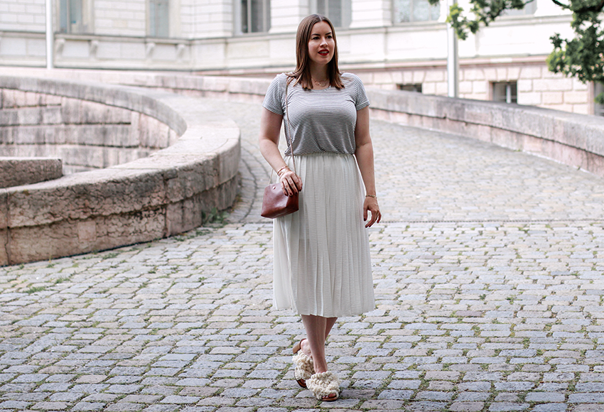Nude Look mit weißem Midi-Rock - LA MODE ET MOI, der Modeblog
