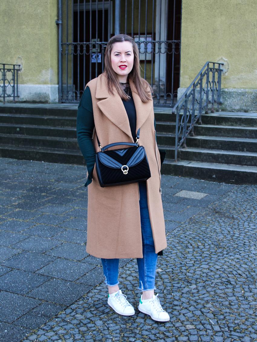 Dicke Woll-Weste und Cross-Body-Bag - LA MODE ET MOI, der Modeblog