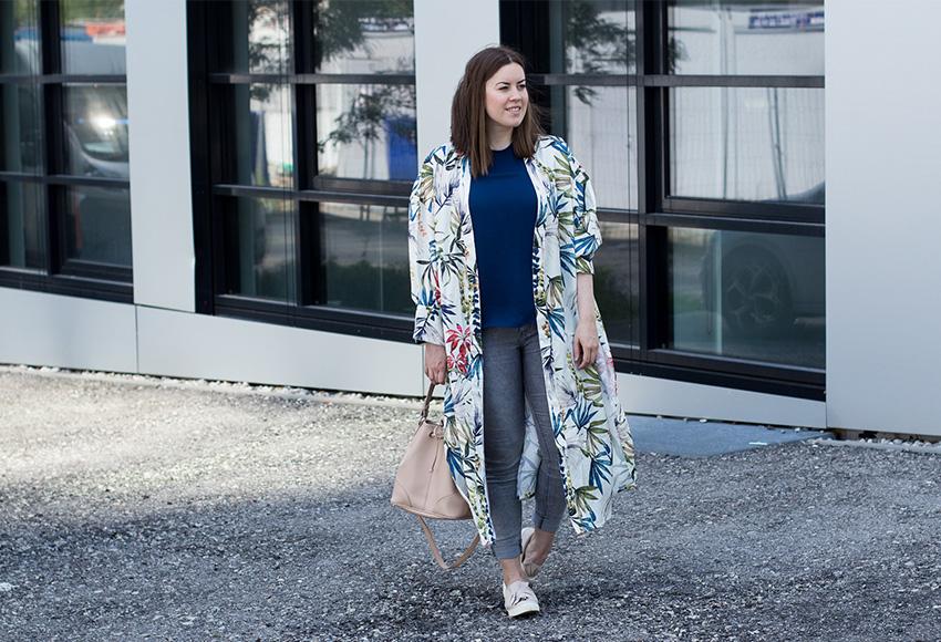 Gemusterter Kimono mit Bucket-Bag - LA MODE ET MOI, der Modeblog