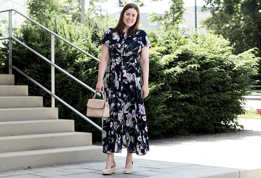 Maxikleid mit Blumenprint - LA MODE ET MOI, der Modeblog
