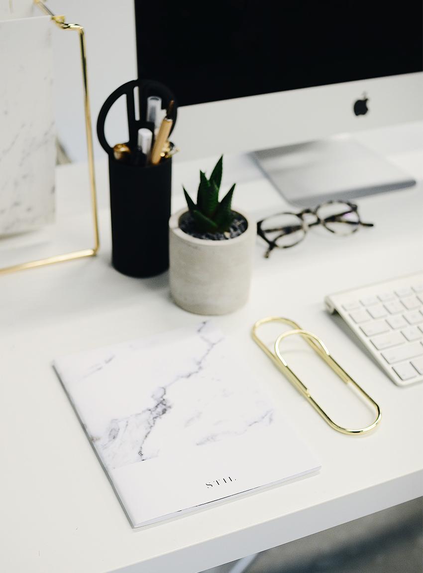 Auf der Suche nach einer Schreibtischlampe - LA MODE ET MOI, der Modeblog