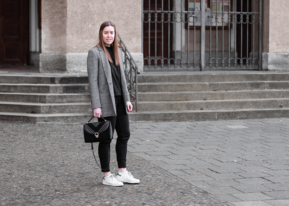 Monochromer Blazer-Look für das Büro - THE BUTTON by Emilie, der Modeblog