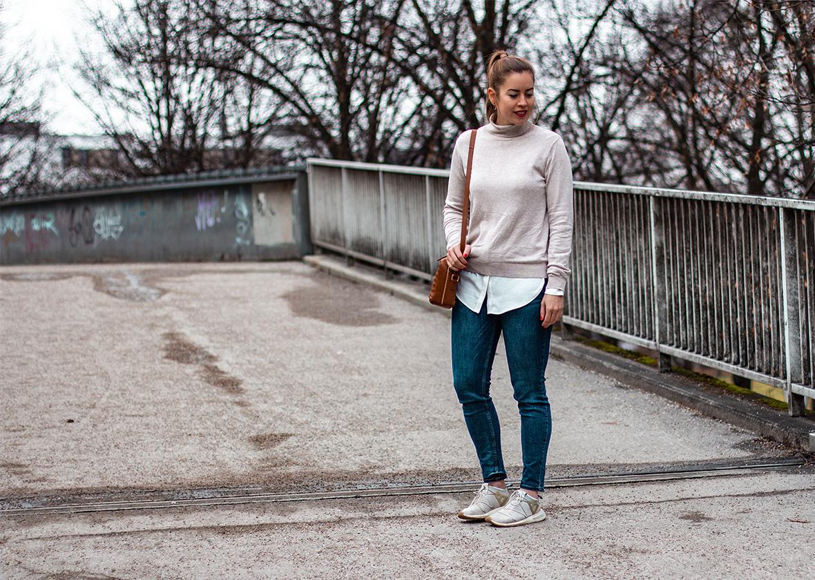 Rollkragenpullover mit Bluse - THE BUTTON by Emilie, der Modeblog