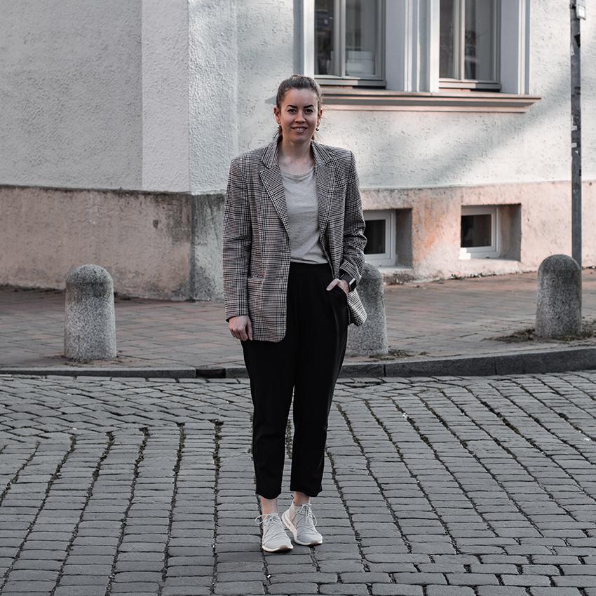 Karierter Oversize Blazer - THE BUTTON by Emilie, der Modeblog