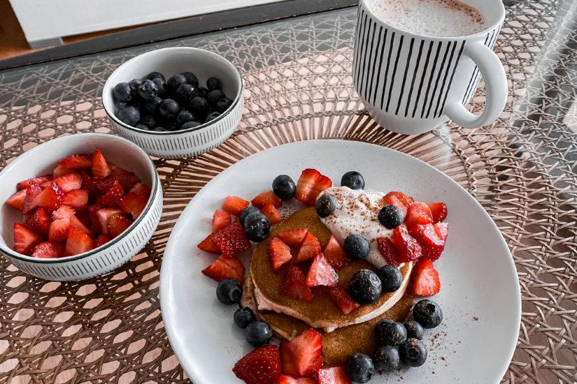 Glutenfreie Protein Pancakes - THE BUTTON by Emilie